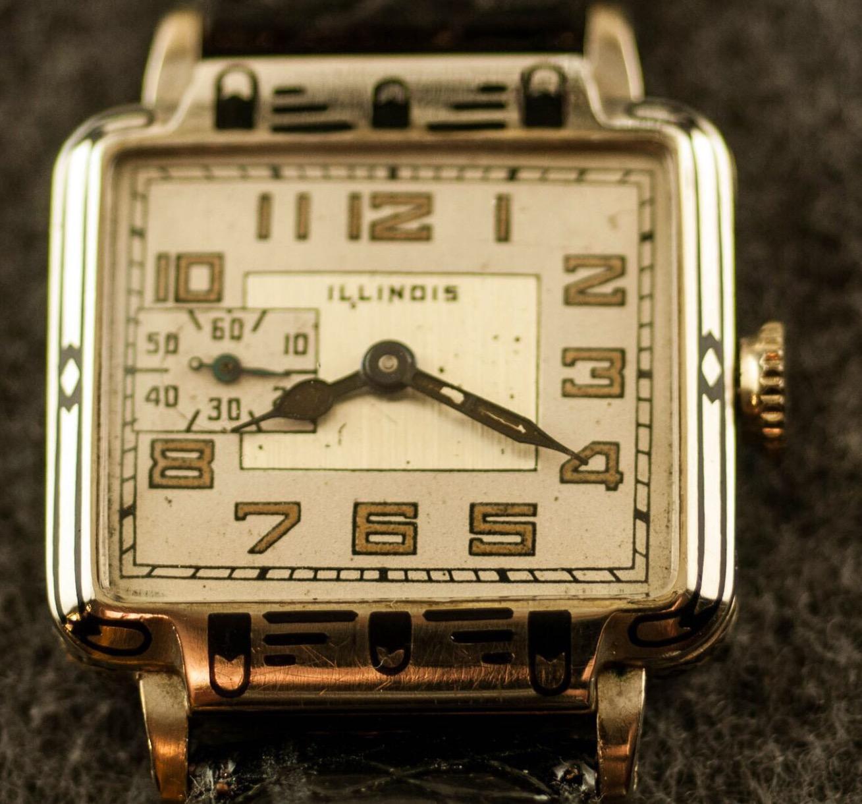 Illinois Enamel New Yorker White Gold Filled